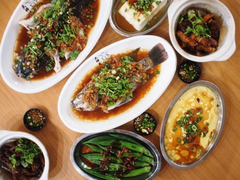 echopunya_yun-kei_dinner-spread